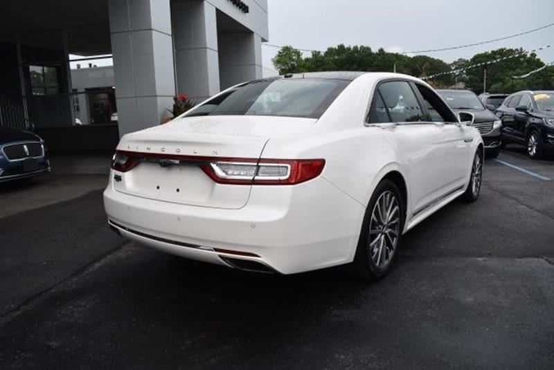 2017 Lincoln Continental 19