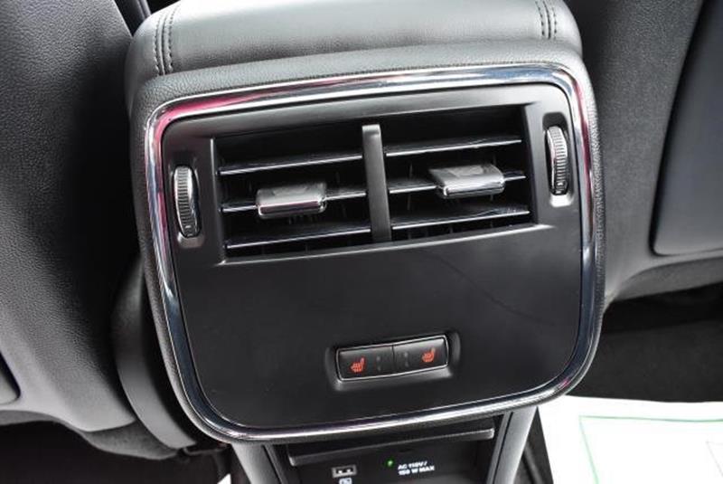 2017 Lincoln Continental 28