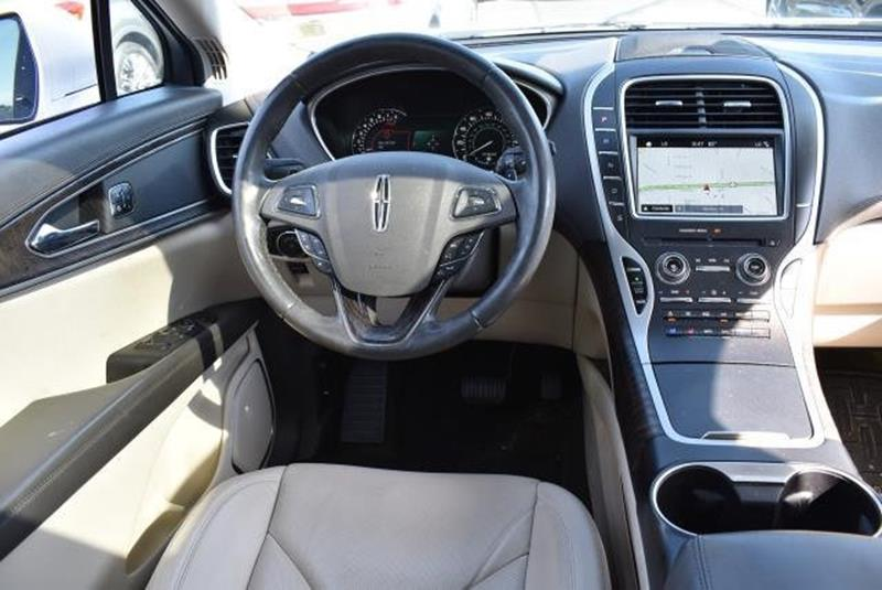 2016 Lincoln MKX 28