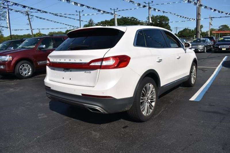 2016 Lincoln MKX 23