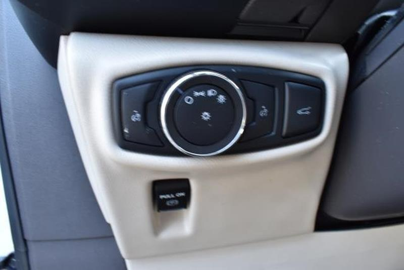 2016 Lincoln MKX 32