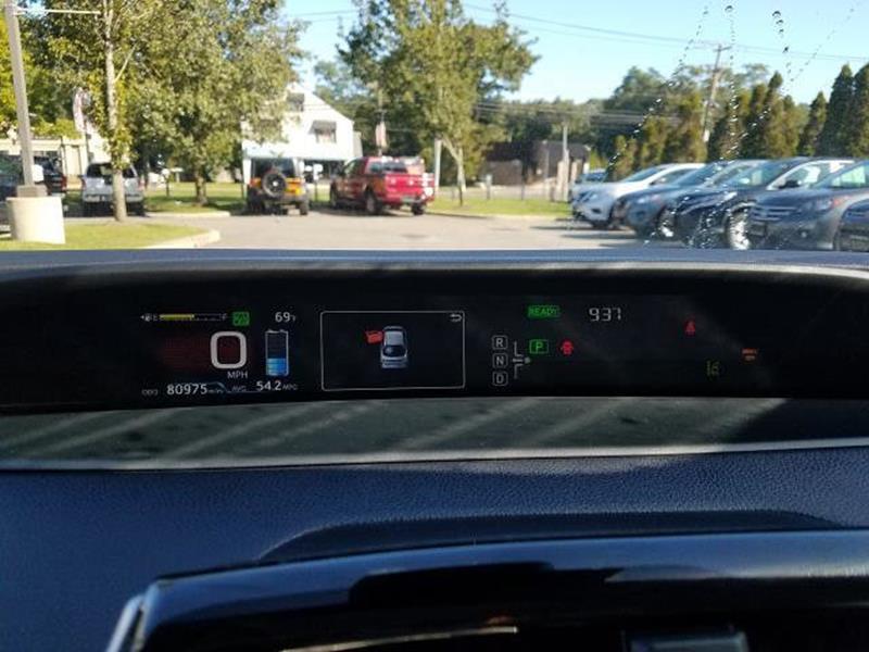 2016 Toyota Prius 8