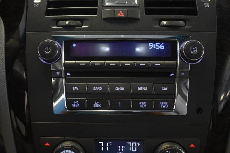 2010 Cadillac DTS 2