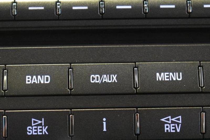 2010 Cadillac DTS 4