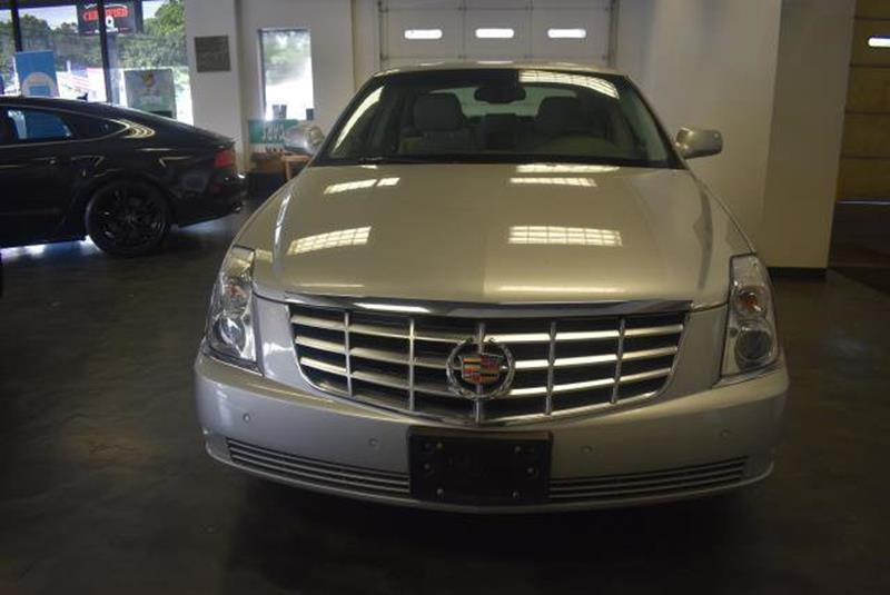 2010 Cadillac DTS 14