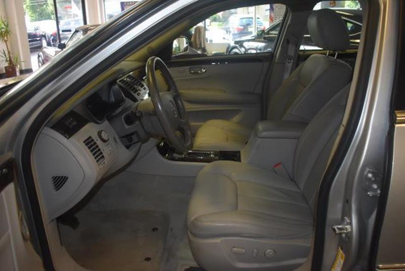 2010 Cadillac DTS 19