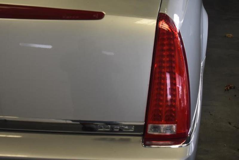 2010 Cadillac DTS 17