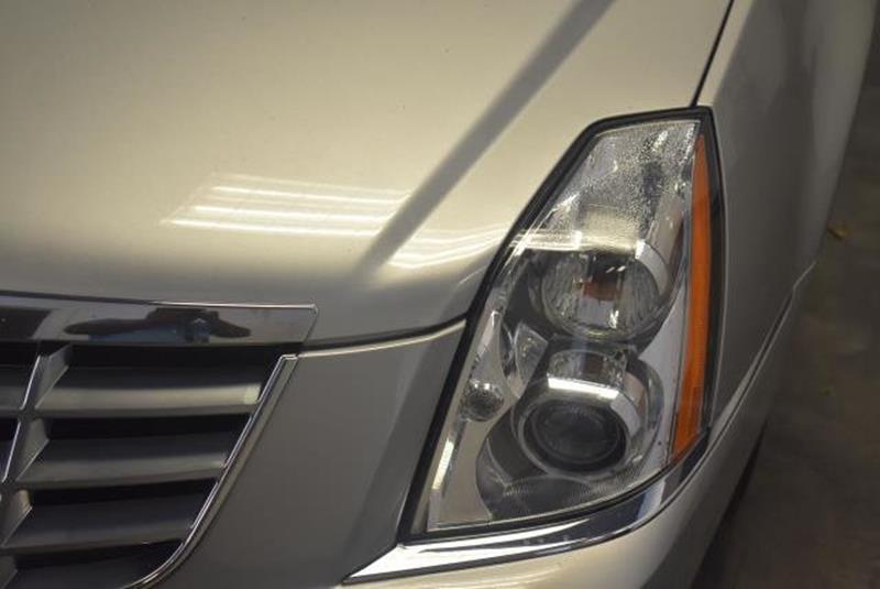2010 Cadillac DTS 15