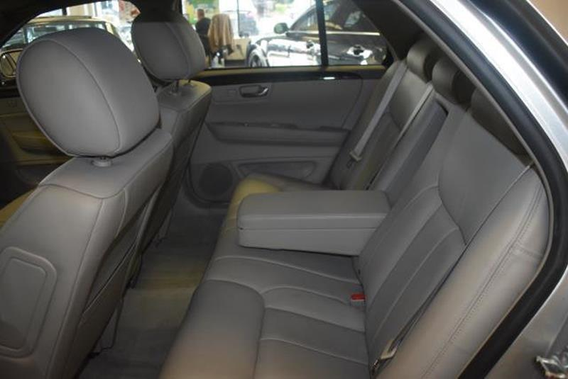2010 Cadillac DTS 20