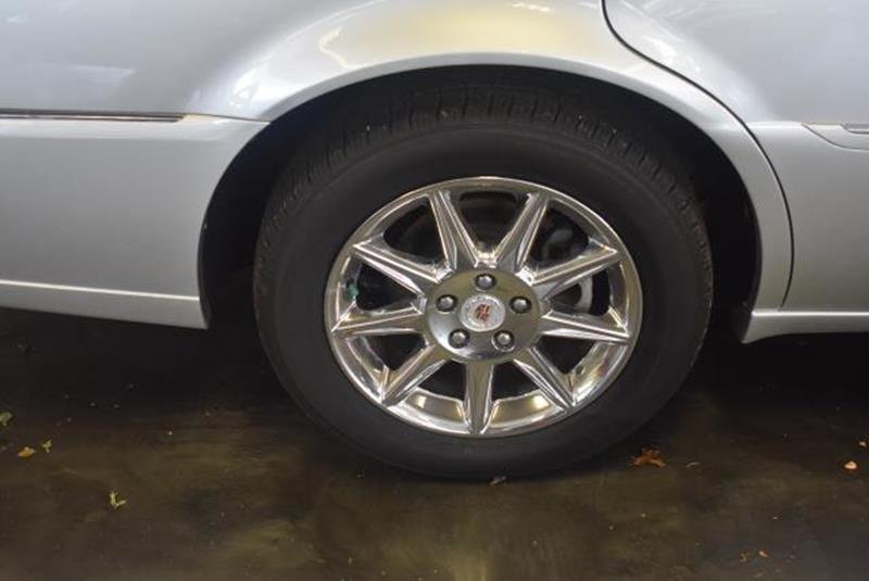 2010 Cadillac DTS 18