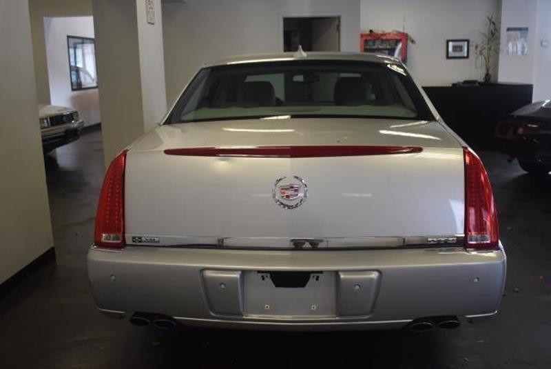 2010 Cadillac DTS 16