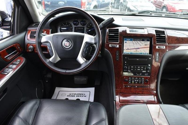 2007 Cadillac Escalade 10
