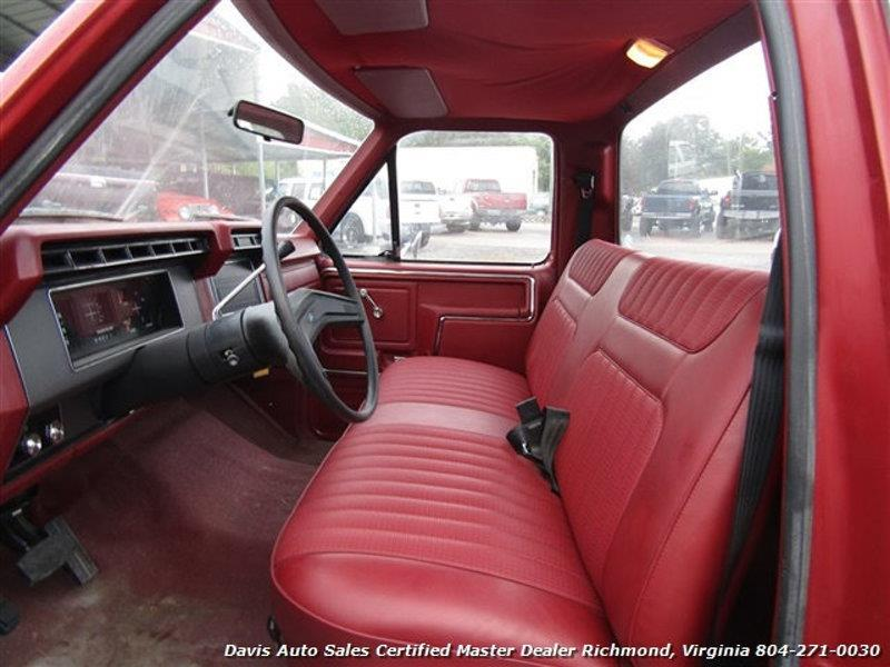 1984 Ford F-150 9