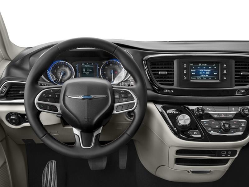 2017 Chrysler Pacifica 6
