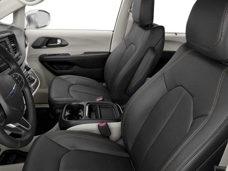 2017 Chrysler Pacifica 8