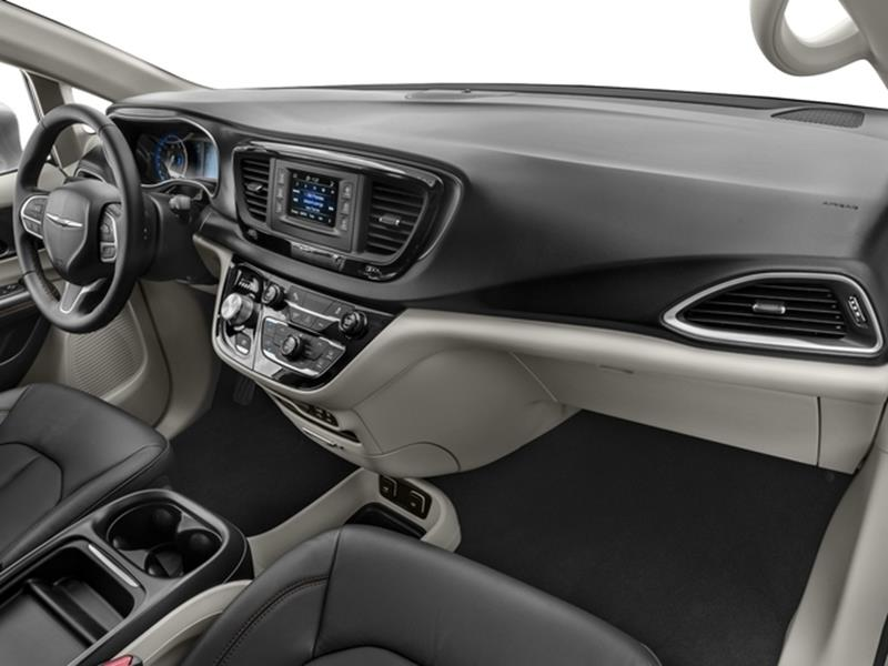 2017 Chrysler Pacifica 15