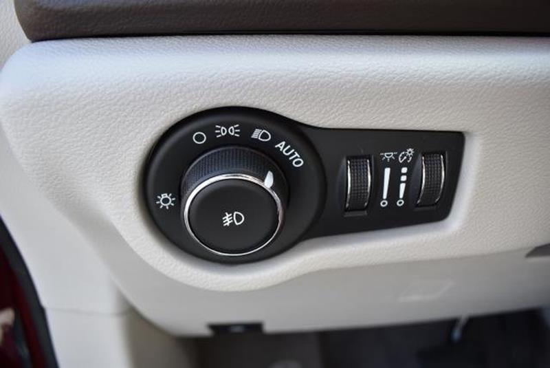2017 Chrysler Pacifica 17