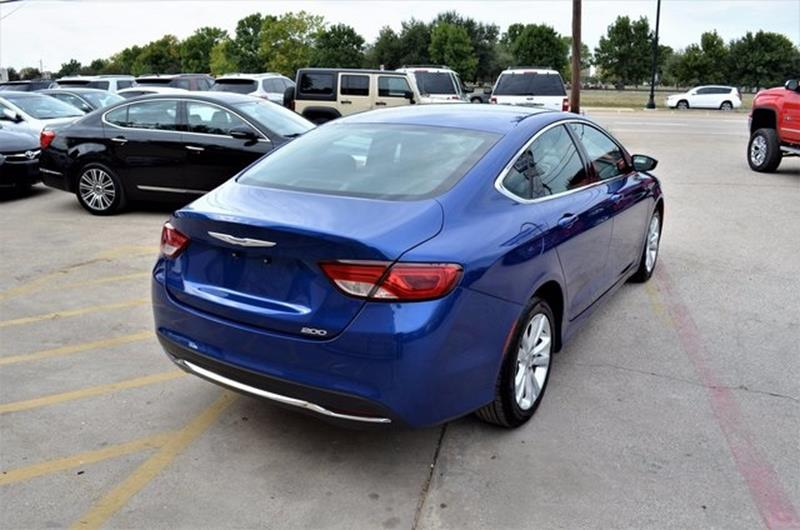 2015 Chrysler 200 for sale at LAKESIDE MOTORS, INC. in Sachse TX