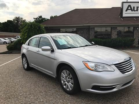 2012 Chrysler 200 for sale at AutoMax of Memphis - Darrell James in Memphis TN