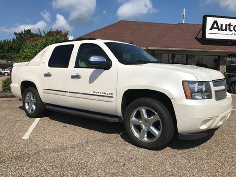 2011 Chevrolet Avalanche for sale at AutoMax of Memphis - David Harper in Memphis TN