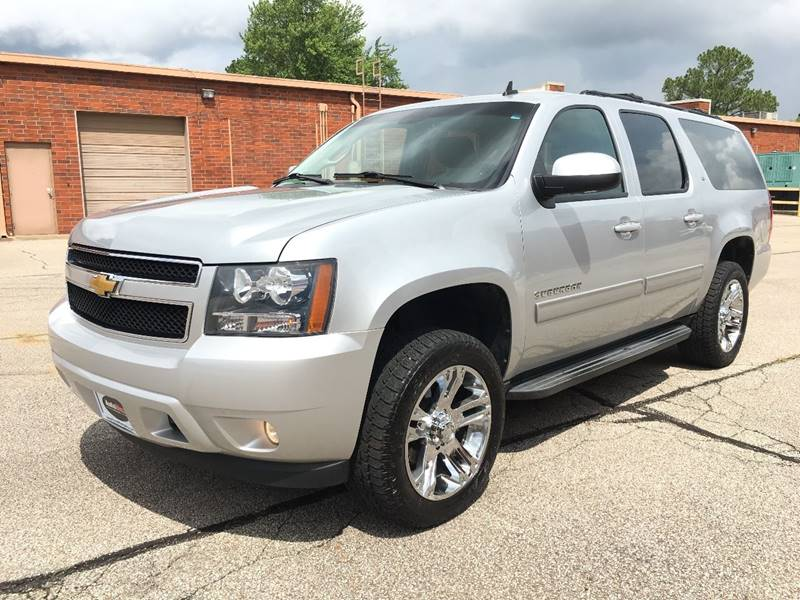 2013 Chevrolet Suburban for sale at AutoMax of Memphis - V Brothers in Memphis TN