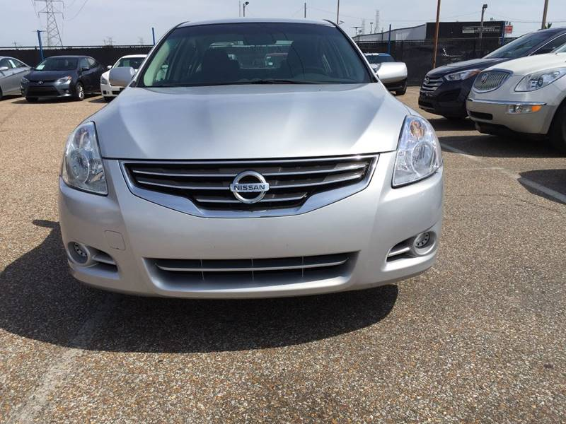 2010 Nissan Altima for sale at AutoMax of Memphis - Jason Wulff in Memphis TN