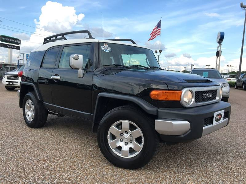 2007 Toyota FJ Cruiser for sale at AutoMax of Memphis - V Brothers in Memphis TN