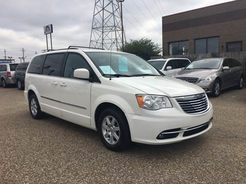 2012 Chrysler Town and Country for sale at AutoMax of Memphis in Memphis TN