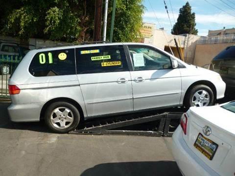 2001 Honda Odyssey for sale at La Mesa Auto Sales in Huntington Park CA