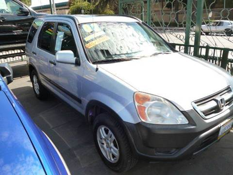 2002 Honda CR-V for sale at La Mesa Auto Sales in Huntington Park CA