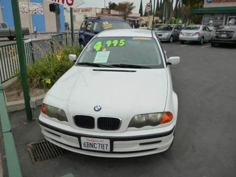 2001 BMW 3 Series for sale at La Mesa Auto Sales in Huntington Park CA
