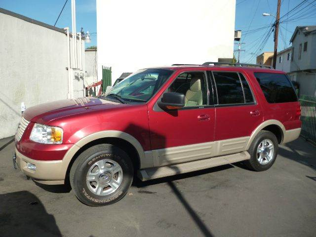 2005 Ford Expedition for sale at La Mesa Auto Sales in Huntington Park CA