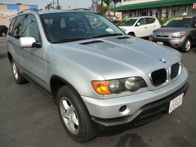 2002 BMW X5 for sale at La Mesa Auto Sales in Huntington Park CA