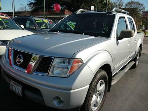 2005 Nissan Frontier for sale at La Mesa Auto Sales in Huntington Park CA