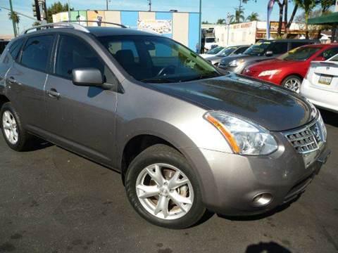 2008 Nissan Rogue for sale at La Mesa Auto Sales in Huntington Park CA