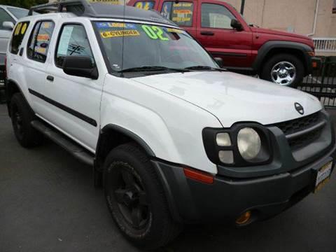 2002 Nissan Xterra for sale at La Mesa Auto Sales in Huntington Park CA