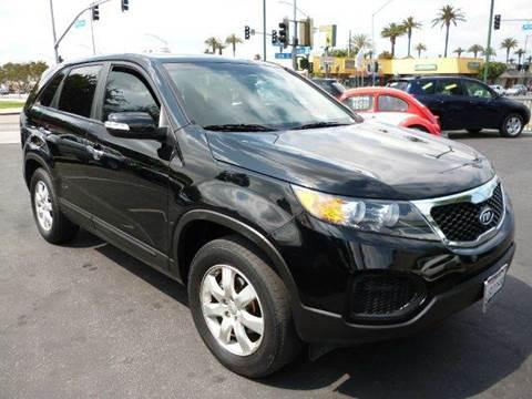 2012 Kia Sorento for sale at La Mesa Auto Sales in Huntington Park CA