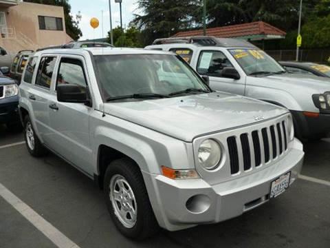 2008 Jeep Patriot for sale at La Mesa Auto Sales in Huntington Park CA