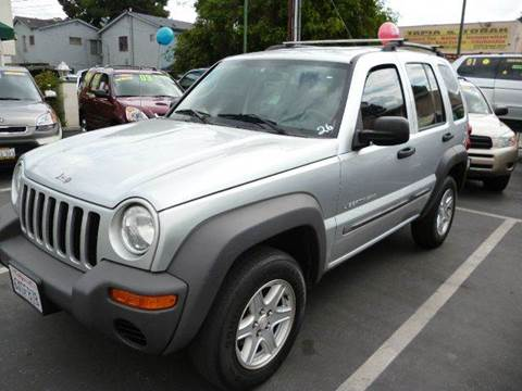 2003 Jeep Liberty for sale at La Mesa Auto Sales in Huntington Park CA