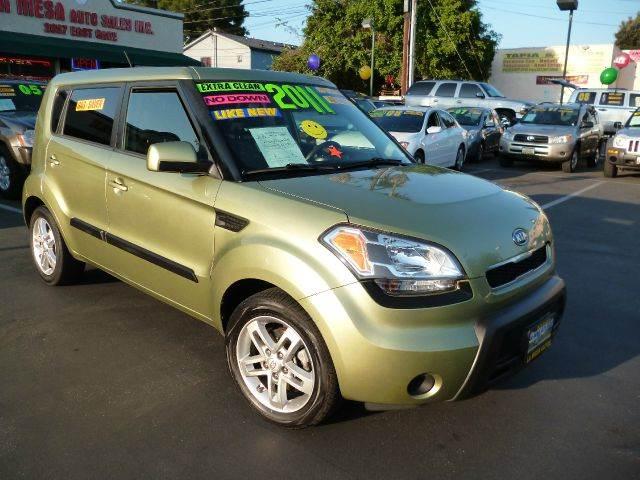 2011 Kia Soul for sale at La Mesa Auto Sales in Huntington Park CA