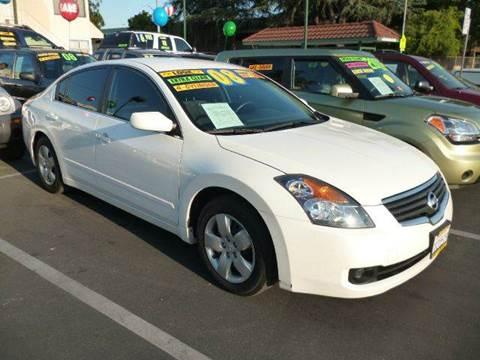 2008 Nissan Altima for sale at La Mesa Auto Sales in Huntington Park CA