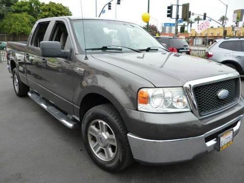 2007 Ford F-150 for sale at La Mesa Auto Sales in Huntington Park CA