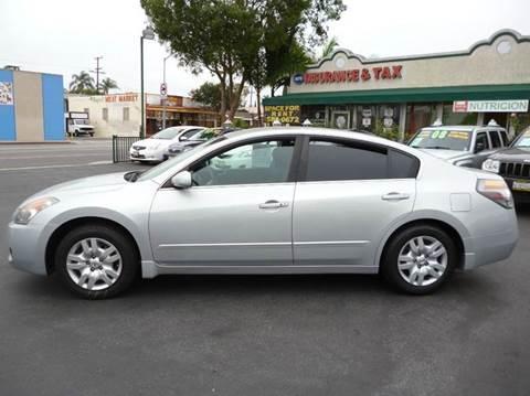 2009 Nissan Altima for sale at La Mesa Auto Sales in Huntington Park CA