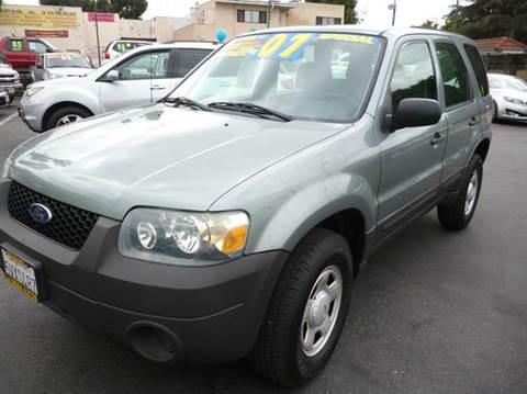 2007 Ford Escape for sale at La Mesa Auto Sales in Huntington Park CA