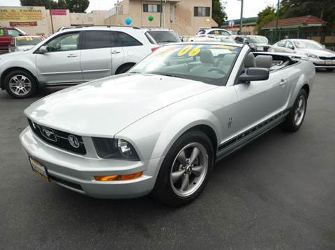 2006 Ford Mustang for sale at La Mesa Auto Sales in Huntington Park CA