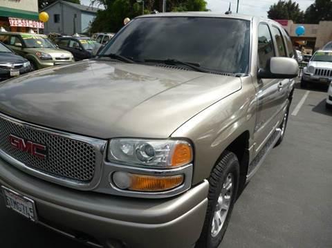 2003 GMC Yukon for sale at La Mesa Auto Sales in Huntington Park CA