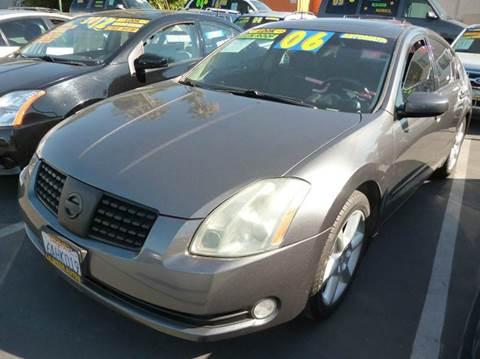 2006 Nissan Maxima for sale at La Mesa Auto Sales in Huntington Park CA