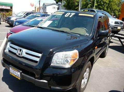 2007 Honda Pilot for sale at La Mesa Auto Sales in Huntington Park CA