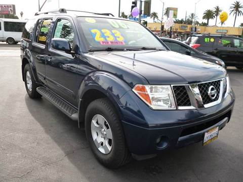 2006 Nissan Pathfinder for sale at La Mesa Auto Sales in Huntington Park CA