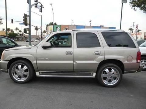 2002 Cadillac Escalade for sale at La Mesa Auto Sales in Huntington Park CA